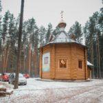 На Всеволожском кладбище №2 (микрорайон Бернгардовка) действует  православный храм
